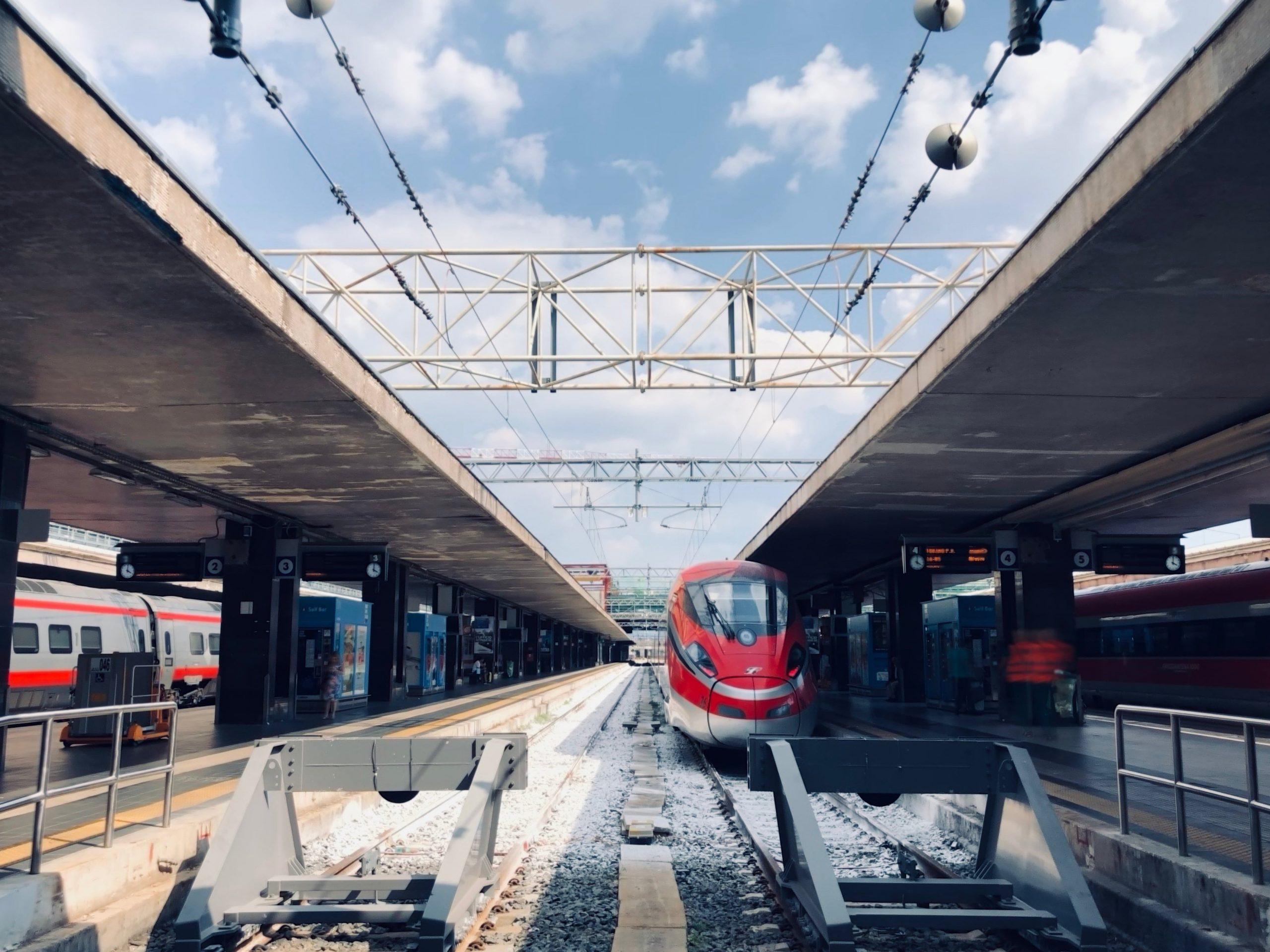 Aller de aéroport Fiumicino au centre-ville de Rome transfert Train Leonardo Express