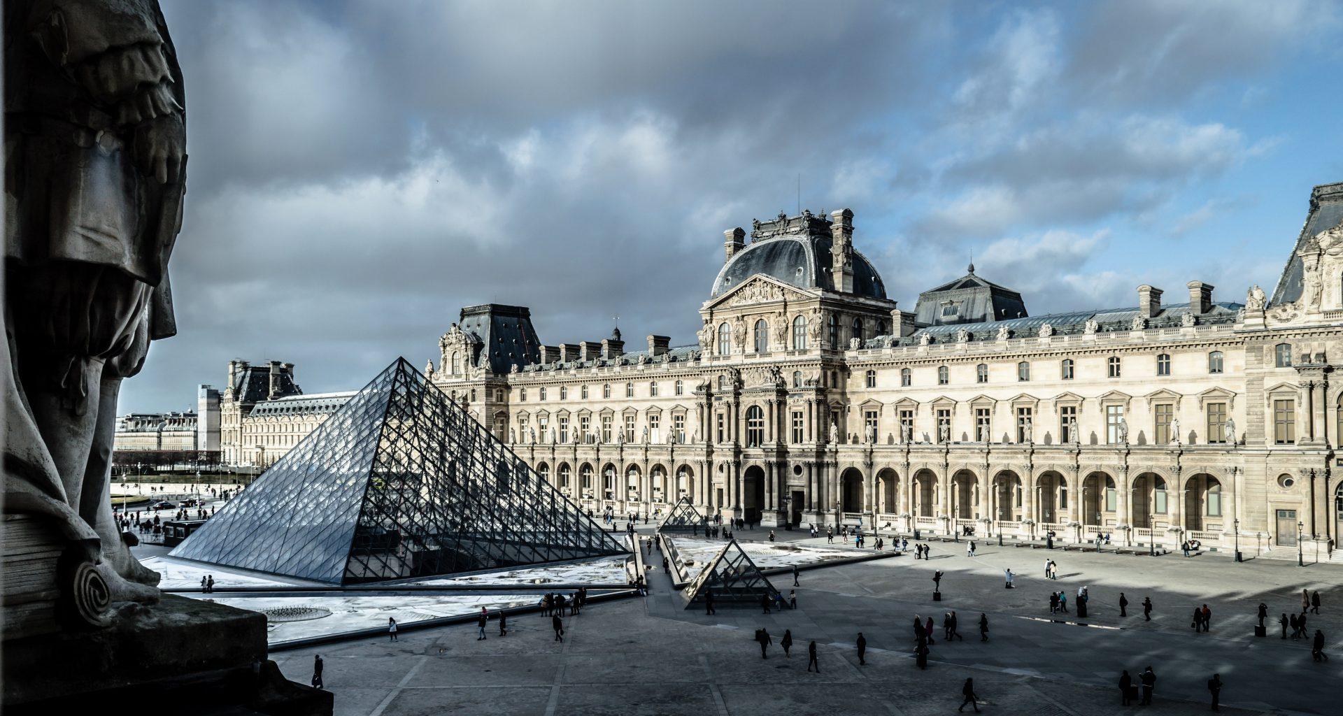 Combien de temps pour visiter le Louvre? Comment visiter le Louvre sans faire la queue